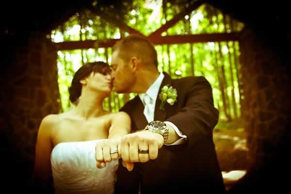 Stroudsmoor Country Inn - Stroudsburg - Wedding Resort - Bride And Groom Showing Their Rings