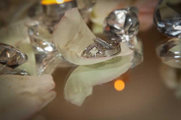 Stroudsmoor Country Inn - Stroudsburg - Wedding Resort - Bride And Groom Wedding Bands