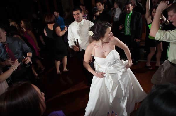 Stroudsmoor Country Inn - Stroudsburg - Poconos - Real Weddings - Bride Dancing