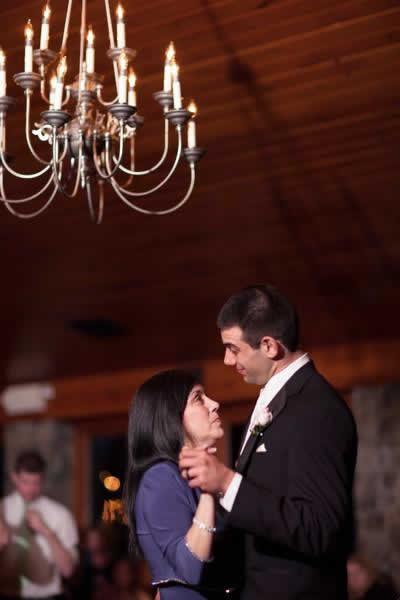 Stroudsmoor Country Inn - Stroudsburg - Poconos - Real Weddings - Guests Dancing