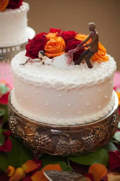Stroudsmoor Country Inn - Stroudsburg - Poconos - Real Weddings - Zombie Theme - Wedding Cake