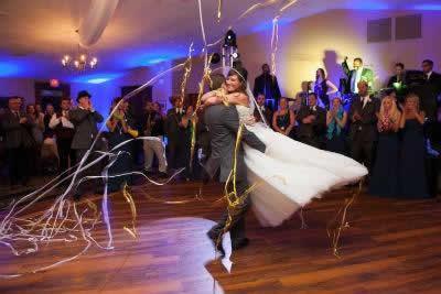 Stroudsmoor Country Inn - Stroudsburg - Poconos - Real Weddings - Bride And Groom Dancing