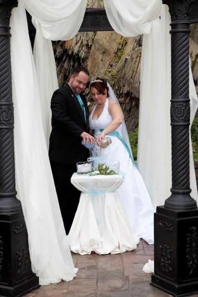 Stroudsmoor Country Inn - Stroudsburg - Poconos - Real Weddings - Bride And Groom Pouring Drinks