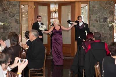 Stroudsmoor Country Inn - Stroudsburg - Poconos - Real Weddings - Guest Dancing