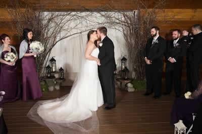 Stroudsmoor Country Inn - Stroudsburg - Poconos - Real Weddings - First Kiss