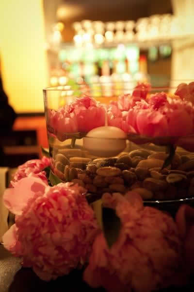 Stroudsmoor Country Inn - Stroudsburg - Poconos - Real Weddings - Floating Candle And Floral Centerpiece