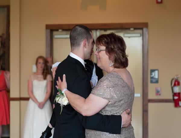Stroudsmoor Country Inn - Stroudsburg - Poconos - Real Weddings - Wedding Guests Dancing