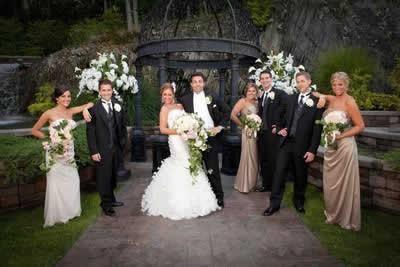 Stroudsmoor Country Inn - Stroudsburg - Poconos - Real Weddings - Bride, Groom, Bridemaids And Groomsmen
