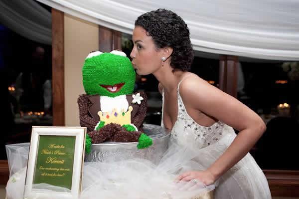 Stroudsmoor Country Inn - Stroudsburg - Poconos - Real Weddings - Bride Kissing Chocolate Frog