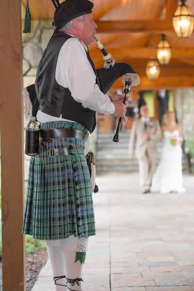 Stroudsmoor Country Inn - Stroudsburg - Poconos - Real Weddings - Man Playing Bagpipes