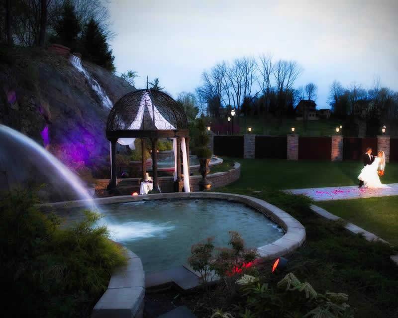Stroudsmoor Country Inn - Stroudsburg - Poconos - Classic Wedding Celebrations - Bride And Groom