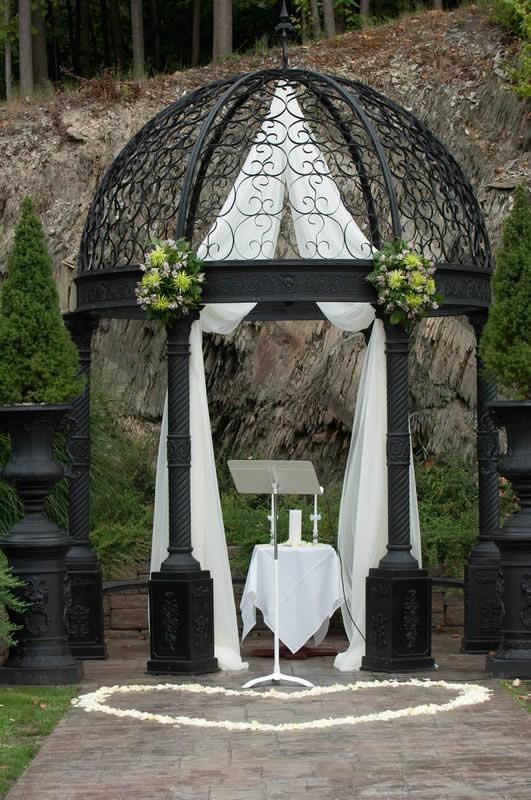 Stroudsmoor Country Inn - Stroudsburg - Poconos - Classic Wedding Celebrations - Gazebo
