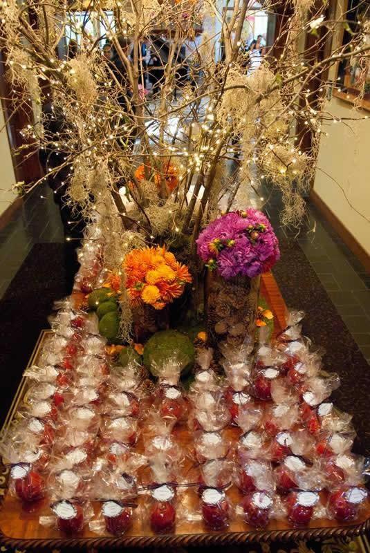 Stroudsmoor Country Inn - Stroudsburg - Poconos - Classic Wedding Celebrations - Table Of Wedding Favors