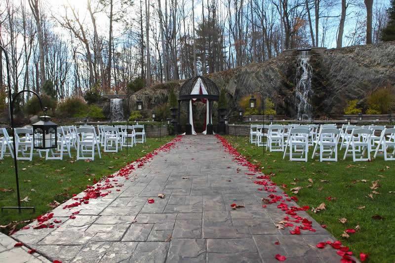 Stroudsmoor Country Inn - Stroudsburg - Poconos - Classic Wedding Celebrations - Wedding Adorned Gazebo