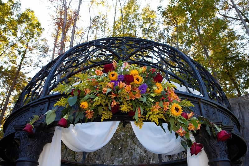 Stroudsmoor Country Inn - Stroudsburg - Poconos - Classic Wedding Celebrations - Gazebo With Floral Decor