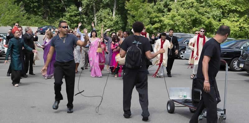 Stroudsmoor Country Inn - Stroudsburg - Poconos - Indian Wedding - Guests And Family Dancing