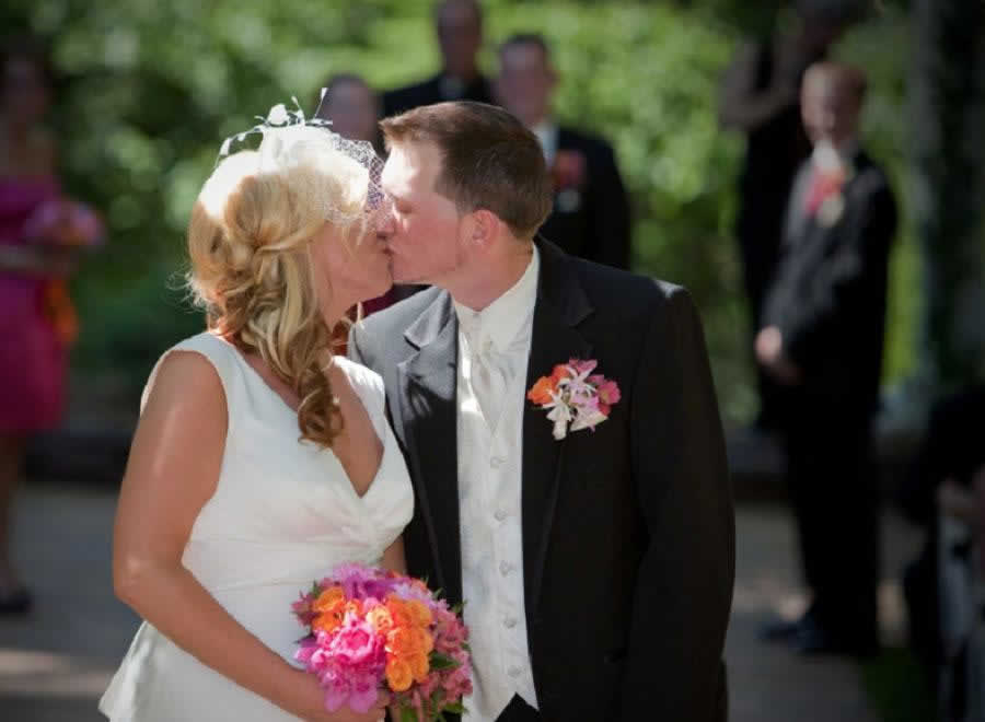 Stroudsmoor Country Inn - Stroudsburg - Poconos - Intimate Wedding - Wedding Couple Kissing