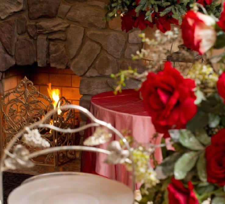 Stroudsmoor Country Inn - Stroudsburg - Poconos - Intimate Wedding - Floral Centerpiece On Table