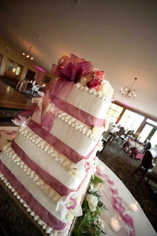 Stroudsmoor Country Inn - Stroudsburg - Poconos - Pocono Mountain Wedding - Wedding Cake