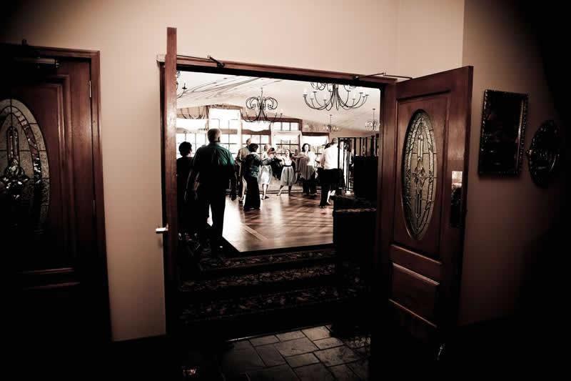 Stroudsmoor Country Inn - Stroudsburg - Poconos - Pocono Mountain Wedding - Wedding Party Dancing
