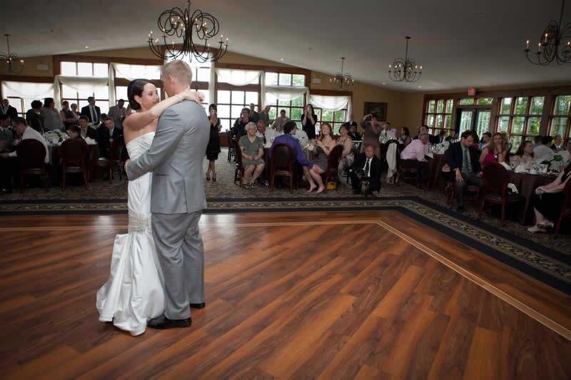 Stroudsmoor Country Inn - Stroudsburg - Poconos - Pocono Mountain Wedding - Bride And Groom First Dance