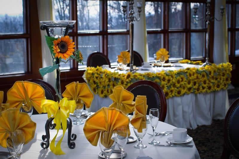Stroudsmoor Country Inn - Stroudsburg - Poconos - Pocono Mountain Wedding - Table Setting
