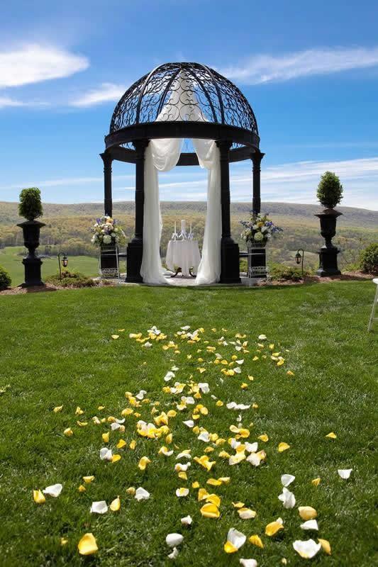 Stroudsmoor Country Inn - Stroudsburg - Poconos - Pocono Mountain Wedding - Outdoor Gazebo