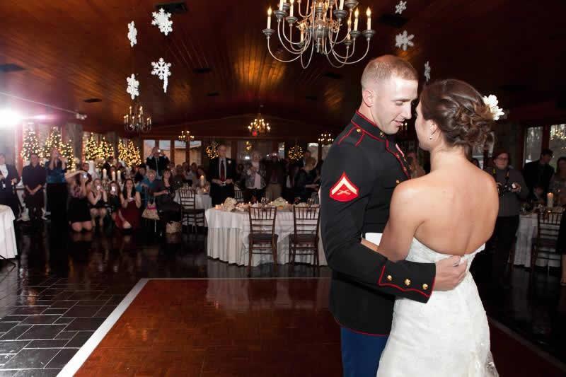 Stroudsmoor Country Inn - Stroudsburg - Poconos - Pocono Winter Wedding - Brides First Dance