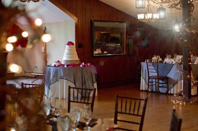 Stroudsmoor Country Inn - Stroudsburg - Poconos - Woodlands Outdoor Wedding - Wedding Cake