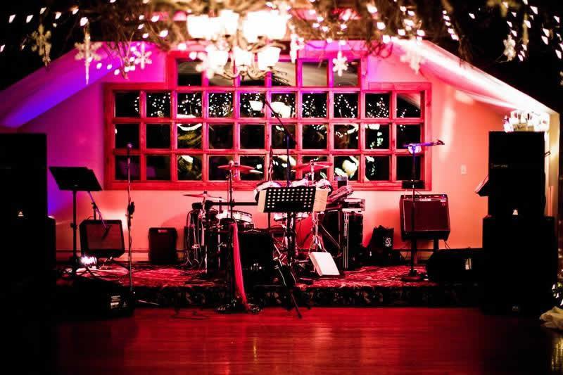 Stroudsmoor Country Inn - Stroudsburg - Poconos - Woodlands Outdoor Wedding- Colorful Band Set