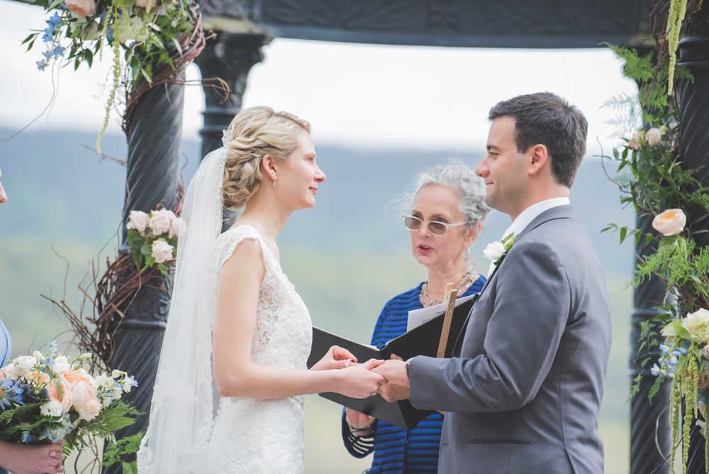 """Wedding couple - the """"I dos"""""""