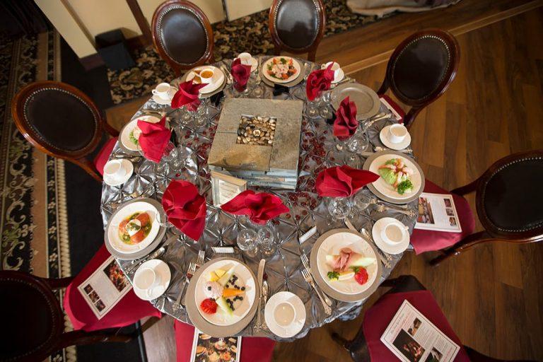 Stroudsmoor Wedding Sampling Table Setting