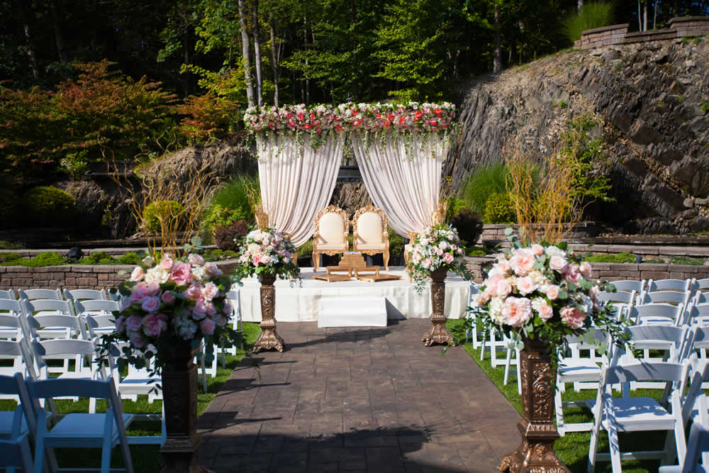 Wedding ceremony platform