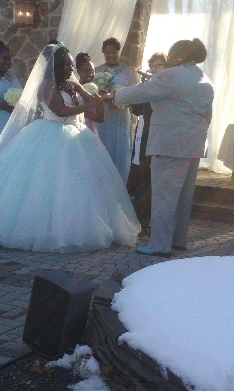 wedding couple saying their vows woodsgate